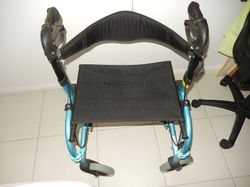 b/new,dual purpose,blue,e/ fold,l/weight,removable footrests,ideal persons up100kg,'freedom brand'