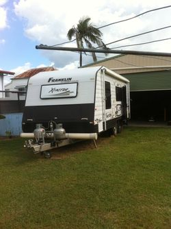 2012 (bought new Dec 2013) 19' semi off road, en suite caravan, many extras including platinum upgra...