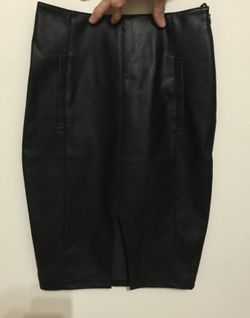 Brand new leather look size 6 Dotti skirt