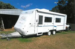 JAYCO Heritage 2002, 22ft, a/c, 3 way fridge, island double bed, sep shower, toilet, r/out awning...