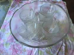 Glass bowl with 9 glass cups. Used. Laidley area. No txts