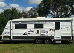 NEW age Oz classic 22ft, purch 8/13, low kms, great fit out, Q/bed, ensuite with w/machine, full...