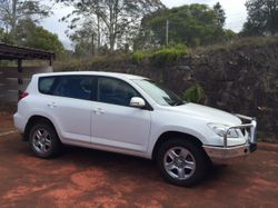 One owner, Automatic, 2.4L Petrol, 4 Cylinders. Comes with current registration and roadworthy certi...