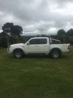 3.0 litre turbo diesel. Manual, new tyres, rego 06/17 , 204,000kms. Quick sale needed.