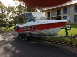 AN OLDY BUT A GOODY, 22FT FAMILY AND FISHING BOAT 200HP JOHNSON , 300LT UNDERFLOOR FUEL, 2 SOUNDERS...