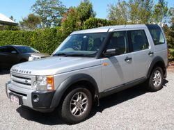 Discovery 3 SE Automatic with 7 seats. Extras include Hayman-Reese Electric Brake, Built-in LR Cool-...