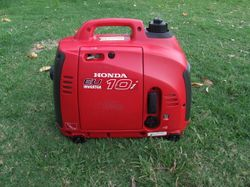HONDA 1KVA LITTLE USE. 12V BATTERY LEAD INCLUDED.