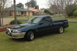 ORIGINAL 1996 VS Holden utility, 5spd man, 3.8 Eco Tec engine, alum b/bar, t/bar, hard cover torn...