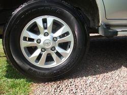 2 Owner 8 seat wagon, 4.2 turbo diesel, genuine Toyota Sat-Nav, reversing camera, radio/cass. with C...