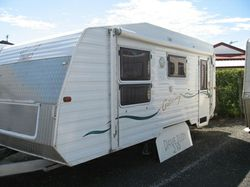 "18'6"" CARAVAN New tyres, shackles, batt, TV easy chairs, dbl bed, air, annex + extras,..."