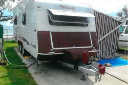 ROADSTAR 4000 19.6ft, 1 owner, lge s/beds, lge frig, $2K extras, new antena, view site 28 Moolool...