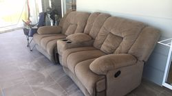 2 seater theatre recliner with middle storage & cup holders.   Perfect condition, no marks or tears