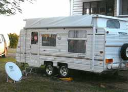 1995 Viscount Endeavour. TA80KV. Rego until May 2017, double bed, full annex, tandem wheel. New t...