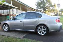 Rego January 2017. Tinted windows, 6 Stacker CD, Leather upholstery, Alloy wheels with near new tyre...