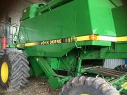 JOHN Deere 9600 - 1997 model. comb trailer, pick up & batt reel. Service log book. Always she...
