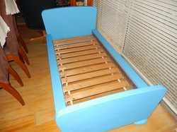 toddlers (no mattress size160x70cm)slat base,30cm high off floor,boy/girl,use linen accordingly. (my...