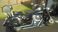 2002 Kawasaki 1600 EFI Vulcan classic. Cobra exhaust, leather saddlebags, leather top box, as new...