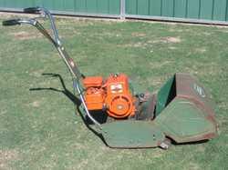 cylinder mower 17''cut,3hp Briggs & Stratton 4 stroke. $450 Serviced.Ph.