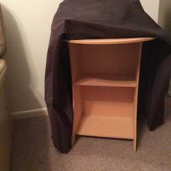 Suitable for bedside table or display table. Very good condition.