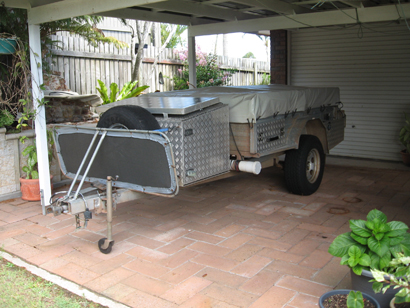 OFF ROAD Camper trailer, 11 mths rego, solar, new batt, 3-way fridge, 60L water tank + extras $40...