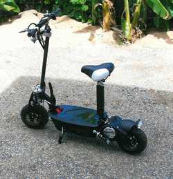ELECTRIC Scooter Bullet, 1000 watt, new unwanted gift, travels up to 50kph, for quick sale $480,...