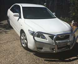 TOYOTA Camry Touring  2009, white, 4 cyl, auto  98,000 klms  rego 07/17  ...
