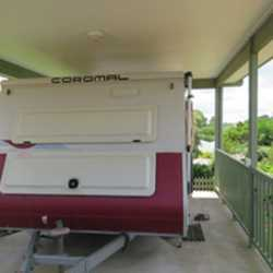 2003 Coromal Seka 505 immaculate condition,a/c tv 120 solar panels new tyres and battery,island bed...