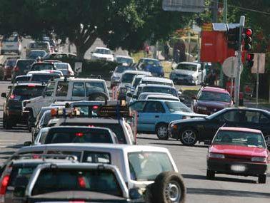 Heavy traffic on Brisbane Rd, Mooloolaba.