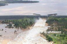 Wivenhoe Dam spillway.