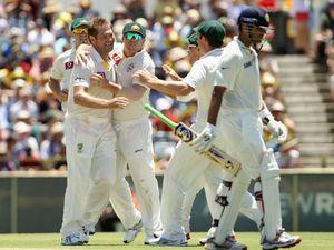 Australia beat India in WACA Test