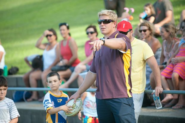 Ben Hannant will start on the bench.