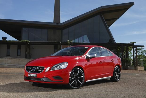 Searching for European styling and performance for under $50,000? You would be hard pressed to do better than the S60 T4.