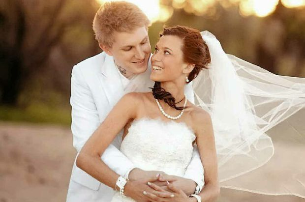 Keeana Demidov and Brad Kruger married Tuesday, March 27.