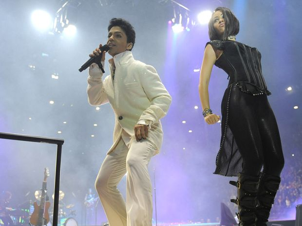 Prince performing in Melbourne during his Welcome 2 Australia Tour.