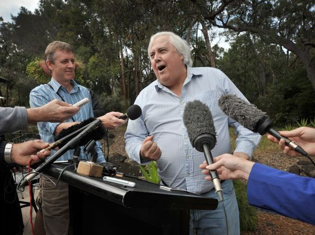 Clive Palmer will host 1000 needy people at his Coolum resort on Christmas Day.
