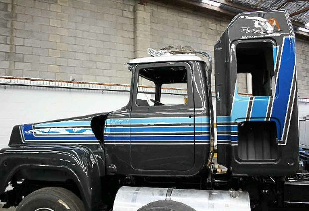 Jon Kelly's Mack is almost finished.  Keep an eye out on the Big Rigs website for a pic of the final product!