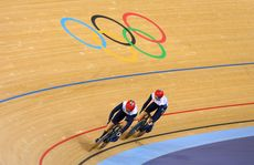 Jessica Varnish (L) and Victoria Pendleton have been disqualified from the women's team sprint.