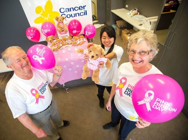Promoting Pink Ribbon Day for the Cancer council are (from left) volunteers Barry Blamire, Lilly Li and Jennifer Lock.