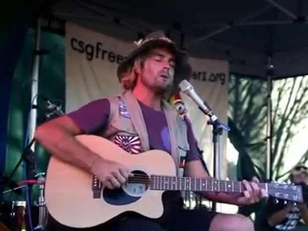 Xavier Rudd will Rock the Gate again at an anti-CSG concert at Doubtful Creek this weekend.