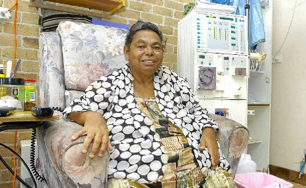 EDUCATOR: Elder Patsy Bunjulahm Nagas on her home dialysis machine.