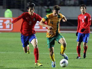 Holland gives Socceroos coach a selection headache