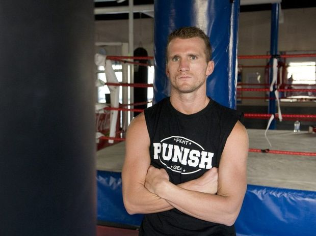Toowoomba-trained fighter Les Sherrington has moved in the WBO world top 10.