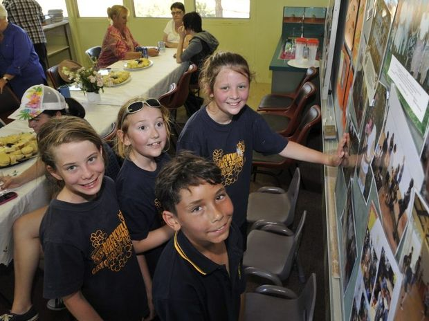Brooke Brumby, Jasper Trunks, Amy Rowe and Bundharra Wightman (front). Rockville State School 90th birthday celebrations. Photo Dave Noonan / The Chronicle