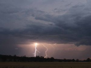 Severe storm warning for inland Qld