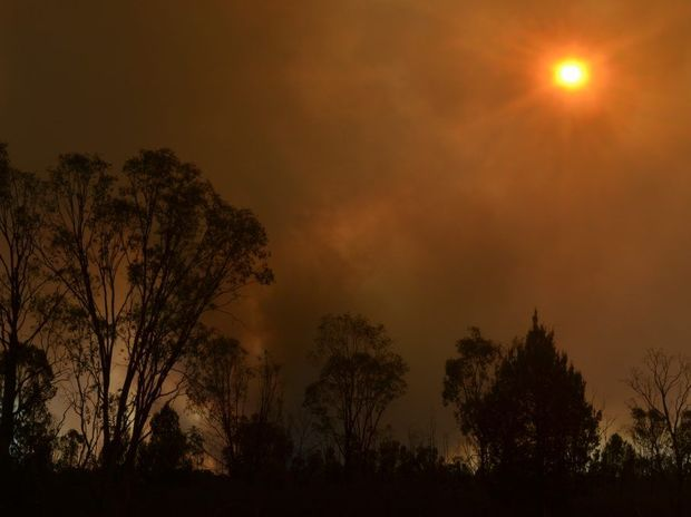 The Halliford bushfire burning in the late afternoon last week. Photo Gen Kennedy / Dalby Herald