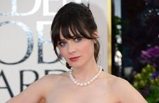 Zooey Deschanel in Oscar de la Renta 8/10.