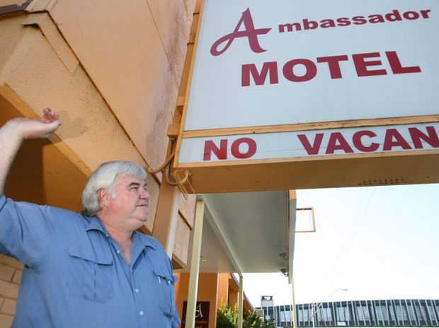 Manager of the Ambassador Motel on Yaamba Road with the no vacancy sign out. Photo: Chris Ison / The Morning Bulletin