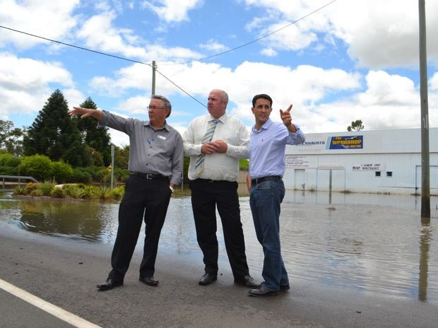 Western Downs Regional Council community services manager Ed Hoffmann, Cr George Moore and Minister for Local Government David Crisafulli discuss the flood recovery for Chinchilla.