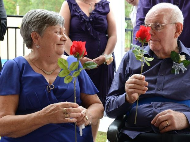 Stan and Fran Kropp renewed their vows on Saturday after more than 50 years of marriage. Photo: Sarah Harvey / The Queensland Times