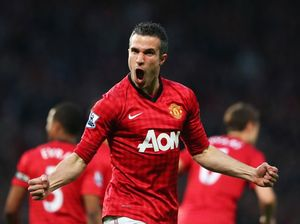 Van Persie's stellar scoring secures Man Utd 20th EPL title